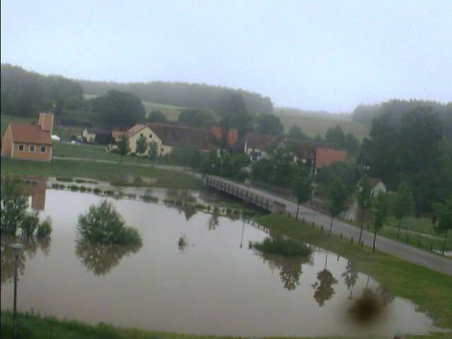 Bechhofen bei Neuendettelsau 1.6.2013 um 7:51 Uhr Das Wasser steigt!