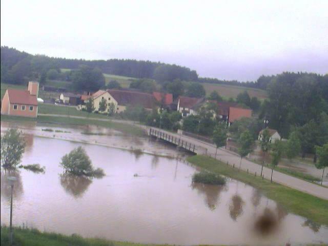 Bechhofen bei Neuendettelsau 2.6.2013 um 7:15 Uhr Am See
